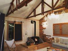 [BY 제주발견] 온전히 우리가족만 사용할 수 있는, 프라이빗한 독채 렌트하우스를 소개한다. 편안한 ... Interior Architecture, House, Travel, Architecture Interior Design, Viajes, Home, Interior Designing, Destinations, Traveling