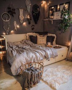 Cute Bedroom Decor, Teen Room Decor, Room Ideas Bedroom, Small Room Bedroom, Girls Bedroom, Bedroom Inspo, Childs Bedroom, Teen Bedrooms, Master Bedroom