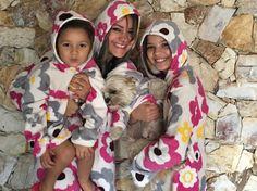Camisola Mamãe e filhinha! R$ 135,00 Camisola Mamãe, filhinha e Pet! R$ 150,00 Camisola Mamãe e Pet! R$ 90,00 www.camisolaecia.com.br WhatsApp 41-9-99000995.