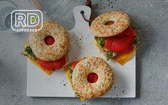 Freezer Bagel Breakfast Sandwiches Breakfast Sandwich Recipes, Breakfast Bagel, Bagel Sandwich, Breakfast Ideas, Egg Sandwiches, Breakfast Tacos, Paleo Breakfast, Easy Egg Recipes, Cooking Recipes