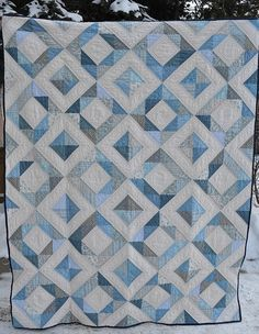 Blue Quilt Blue And White Blue And White Quilts Mary Quilt Patterns Blue And White Quilts Images Amische Quilts, Jellyroll Quilts, Blue Quilts, White Quilts, Quilt Baby, Half Square Triangle Quilts, Square Quilt, Two Color Quilts, Quilt Modernen