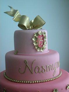 Bolo 15 Anos Nasmyne by A de Açúcar Bolos Artísticos, via Flickr