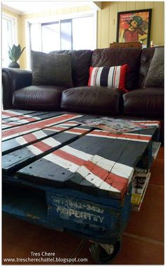 pallets turned Union Jack Coffee Table via Ches Chere