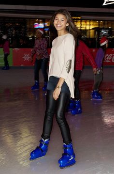Zendaya Coleman - Ice Skating candids in LA. Ok who else just found out her last name?