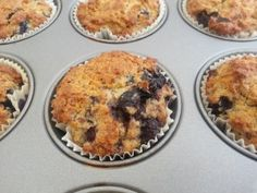 Banaan-bosbessenmuffins met amandelmeel Healthy Cake, Healthy Sweets, Healthy Baking, Healthy Snacks, Clean Recipes, Low Carb Recipes, Baking Bad, Low Carb Crackers, Healthy Recepies