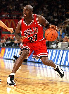 michael jordan 1992 | 11 veces en el Mejor Quinteto de la NBA (10 en el 1º, 1 en el 2º)