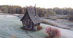 Dan Pauly realizza splendide case che sembrano uscite da un film di Tim Burton   Vanilla Magazine