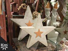 Wären diese schönen Sterne nicht für eure #Weihnachtsdeko ? #Weihnachten2017 #weihnachtszeit #shopping #Knuellermarkt #deko #dekopradies #sterne #love #advent #adventszeit #adventsdeko #Weihnachtsdeko Concrete Stool, Concrete Projects, Wood Stars, Scroll Saw Patterns, Air Dry Clay, Shabby Chic Style, Table Decorations, Christmas Ornaments, Holiday Decor
