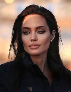 Angelina Jolie, Hollywood Actresses, American Actress, Harry Styles, Sexy Women, Celebs, Skin Care, Makeup, Face