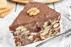 Gâteau de Granola® au lait, pomme, poire et chocolat sans cuisson : www.fourch… Granola® cake with milk, apple, pear and chocolate without cooking: www. Greek Sweets, Greek Desserts, Cookie Desserts, Chocolate Desserts, Cake Chocolate, Toffee Crisp, Greek Cake, Greek Cookies, Cocoa Cake
