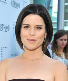 The Craft, a popular 90s witch film that starred Neve Campbell is up for a remake