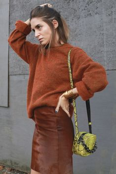 Look of the Day.398: Brick is red                                                                                                                                                                                 Más