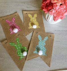 Feb 2016 Hi everyone, Today I wanted to show you how to make this quick, easy and inexpensive DIY Easter bunny banner. Here is a pic and a list of the items you will need: Assorted acrylic paint colors. Easter Burlap Banner, Diy Banner, Burlap Banners, Easter Garland, Bunting Banner, Spring Crafts, Holiday Crafts, Holiday Fun, Easter Projects
