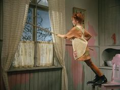 Pippi does housework
