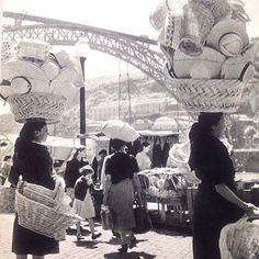 """Portugal"" de Yves Bottineau 1957 Women selling straw hats along the Ribeira of Porto. Old Pictures, Old Photos, Vintage Photographs, Vintage Photos, History Of Portugal, Portuguese Culture, Le Havre, Arte Popular, Folk"