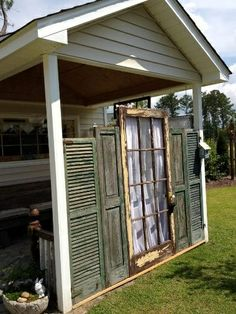 Shut the door Shutters Five new ways for using funky old shutters in the garden Using old cast off materials in nothing new to a Flea Market Gardener. Weathered shutters are found on trash day, at… Old Windows, Windows And Doors, Antique Windows, Vintage Windows, Outdoor Spaces, Outdoor Living, Outdoor Decor, Old Window Screens, Window Frames