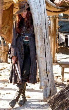 Still of Clara Paget in Black Sails Bonny a real female pirate of… Pirate Queen, Pirate Woman, Pirate Life, Black Sails Tv Series, Clara Paget, Chica Fantasy, Pirates Of The Caribbean, Looks Cool, Costume Design