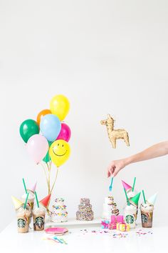 How to throw A Mini Party (w/ the mini Frappuccino)!