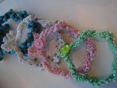 Free Pattern Crochet Beaded Bracelet with a Twist