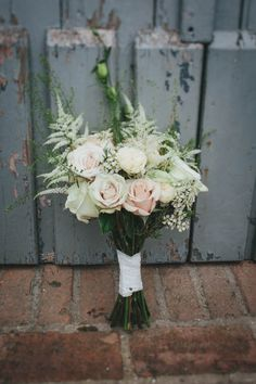 Romantic rose and baby's breath bouquet | Helen Lisk Photography