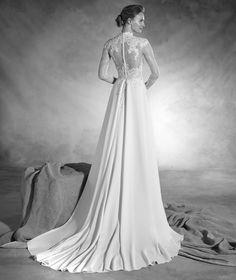 Nacar - Abito da sposa svasato in crêpe, a vita bassa e con collo alto
