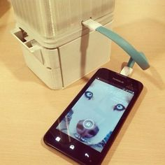 Desde Filipinas nos llega este genial invento, se trata de una lampará cuya fuente de energía es nada menos que el agua salada, incluso se puede hacer funcionar con agua de mar. Sus inventores...