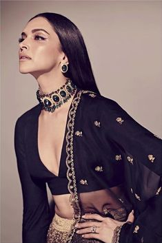 Deepika Padukone Choker/ Indian Jewelry/Sabyasachi Necklace/ Emerald Indian Choker/ Indian Necklace/Bollywood Jewelry/ - New Ideas Black Lehenga, Bollywood Jewelry, Bollywood Fashion, Style Deepika Padukone, Deepika Padukone Lehenga, Deepika Padukone Hairstyles, Indian Dresses, Indian Outfits, Necklaces