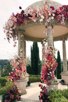 The ceremony is the most thrilling aspects of the celebration. You need the perfect wedding decor! We collected wedding ceremony decorations. Perfect Wedding, Dream Wedding, Wedding Day, Spring Wedding, Wedding Blog, Wedding People, Wedding House, Luxe Wedding, Beautiful Wedding Venues