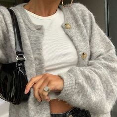 """""""autumn fashion is all about black heeled boots, oversized blazers, long coats and chunky cardigans"""" Mode Outfits, Casual Outfits, Fashion Outfits, Fashion Ideas, Fashion Hacks, Fashion Tips, Fashion Clothes, Fashion Beauty, Flannel Outfits"""