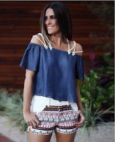 Closet Lit: Shorts Bordado e Blusa Jeans Ombro a Ombro