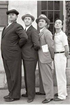 Oliver Hardy, Stan Laurel, Jimmy Durante e Buster Keaton (circa 1932).