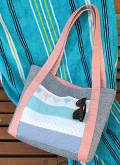 Summer Tote Pattern Download available at connectingthreads.com