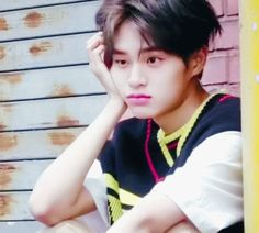 The perfect Daehwi LeeDaehwi Animated GIF for your conversation. Discover and Share the best GIFs on Tenor. K Pop, Jeon Somi, Asian Men, Asian Guys, Lee Daehwi, Imagines, Cute Gif, Wattpad, New Music