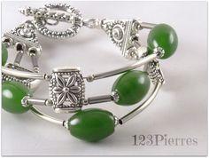 Réservé - Bracelet jade vert profond sur 3 rangs et connecteurs fleur- Bijoux 123Pierres : Bracelet par 123pierres