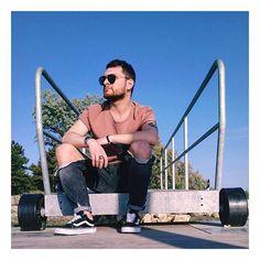 """""""Passeremo alla storia come la generazione che ha sostituito le emozioni con le applicazioni.""""  . . #emoxion #emozioni #emotions #valle #marinaromea #ravenna #italy #vans #jackjones #hm #valley #Sunny #gayboy #gayguy #gayman#gaymen #top #mood #swag #instalike #istaday #instagram"""