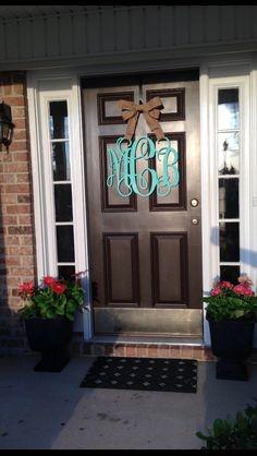 Cute wood monogram for our front door :) Small Porch Decorating, Decorating Ideas, Coral Front Doors, Design Crafts, Diy Crafts, Front Door Decor, Front Porch, Door Paint Colors, Wooden Monogram
