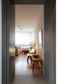Diseño y reforma de apartamento. Madrid. Iglesias-Hamelin arquitectos c.b. Entrada, salón-comedor.