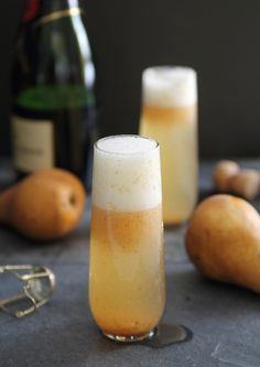 Ginger Pear Bellini: Ripe Pear, Water, Sugar, Fresh Ginger, Champagne.