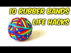 He Wraps a Rubber Band Over a Plastic Hanger and Solves an Annoying Problem