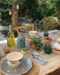 European Summer, Italian Summer, Summer Aesthetic, Aesthetic Food, Purple Aesthetic, Comida Picnic, Northern Italy, Dream Life, Aesthetic Pictures