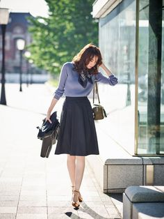 Pin by aa on 女の子 Office Fashion, Work Fashion, Modest Fashion, Skirt Fashion, Fashion Dresses, Fashion Design, Casual Work Outfits, Modest Outfits, Skirt Outfits