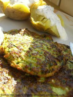 Zucchinipflanzerl à la Sarah Wiener – Paprika meets Kardamom Swiss Recipes, Zucchini Puffer, Feta, Oven, Good Food, Veggies, Food And Drink, Low Carb, Snacks