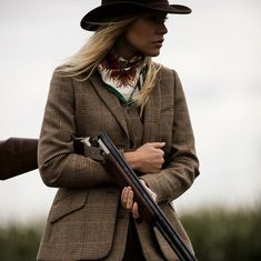 Clare Shaw Scarf Like the hat, the scarf and the tweed, but not the weird long vest or all three pieces in the same tweed. British Country Style, Country Wear, Country Dresses, Country Outfits, Country Girls, English Country Fashion, Countryside Fashion, British Countryside, Look Blazer