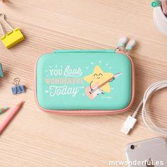 Funda para disco duro portátil - You look wonderful today #mrwonderfulshop #laptop #case #accessories #complements