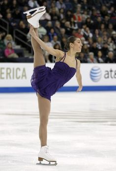 Alissa Czisny, figure skating spiral.