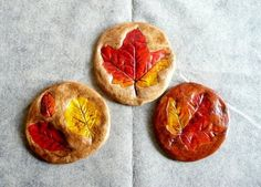 Fall Kids' Crafts fall kids crafts--salt dough leaf prints--could turn these into rustic windchimes!fall kids crafts--salt dough leaf prints--could turn these into rustic windchimes! Kids Crafts, Leaf Crafts, Fall Crafts For Kids, Craft Projects For Kids, Arts And Crafts Projects, Crafts To Make, Craft Ideas, Project Ideas, Fun Ideas