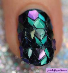 Dragon Scale Diamond Glitter - Painted Fingertips