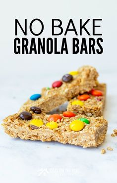 No Bake Granola Bars: An Easy Back to School Snack - . - Perfect Snacks For Kids - Granola Recipes No Bake Granola Bars, No Bake Bars, Delicious Breakfast Recipes, Delicious Desserts, Yummy Food, Easy Homemade Snacks, Peanut Butter Cup Cookies, Mini Chocolate Chips, Cupcake Recipes