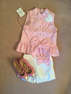 Camisa y short Baby Girl Fashion, Kids Fashion, Little Girl Dresses, Girls Dresses, Baby Dress Patterns, Look Chic, My Baby Girl, Kind Mode, Kids Wear