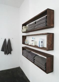 DIY Bathroom Decor Ideas that can be done with cheap Dollar Stores items! These DIY bathroom ideas are perfect for renters and people on a budget. Transform your small bathroom with these classy & easy ideas! Box Shelves, Diy Wall Shelves, Floating Shelves Diy, Bathroom Shelves, Bathroom Storage, Organized Bathroom, Rustic Shelves, Bathroom Organization, Pallet Shelves